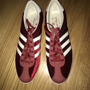 Rare Adidas Sleek Series Size 8 Brand New